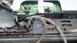 Brother DCP 385 C - metalowa agrafka od wężyków