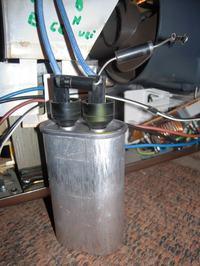 Moulinex Y52 - Pali bezpiecznik 250V 8A ( uszkodzone diody, kondensator )