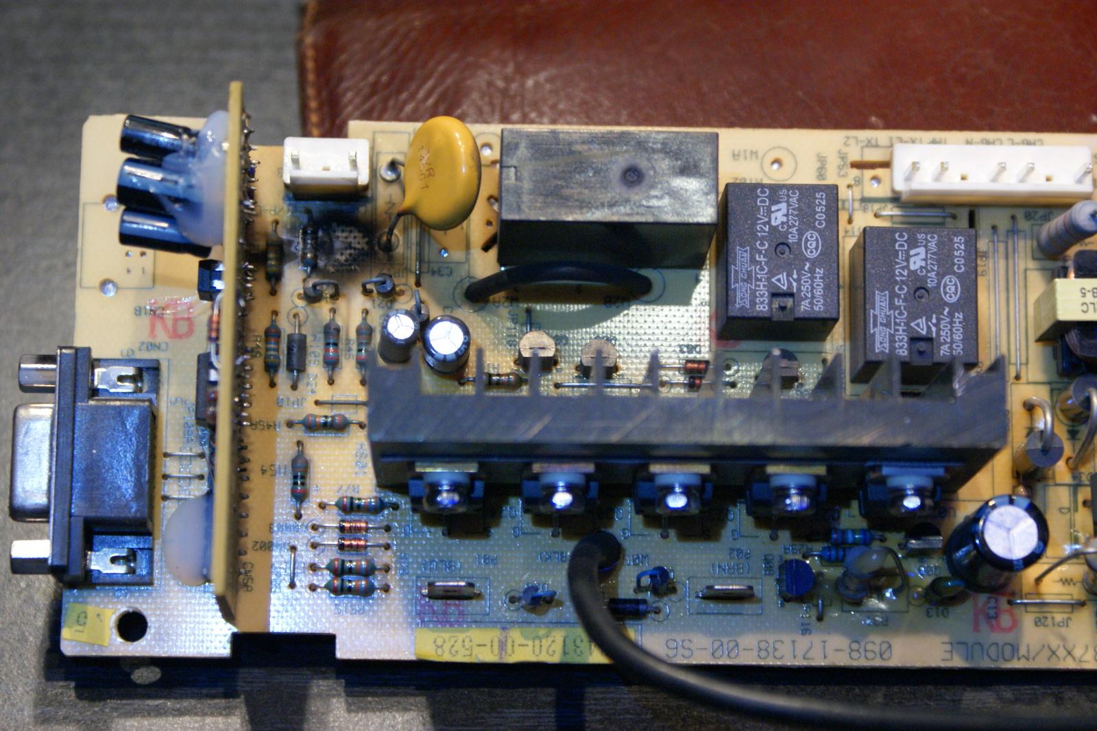UPS Active Power 400 z wysadzonym rezystorem