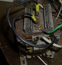 Prostownik z regulacją prądu ładowania