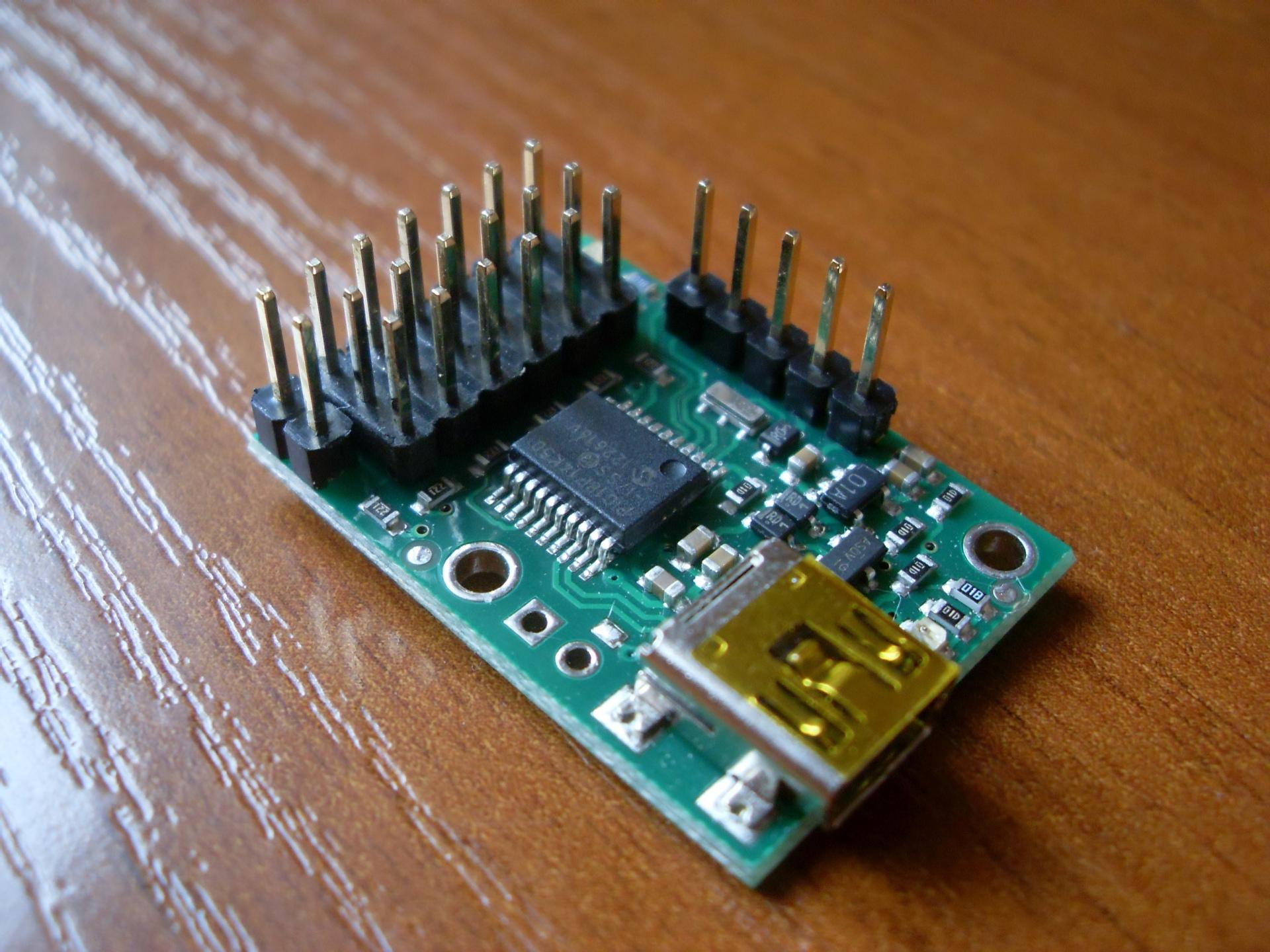 [Sprzedam] Sterownik serw Pololu Micro Maestro USB 6-kana�owy