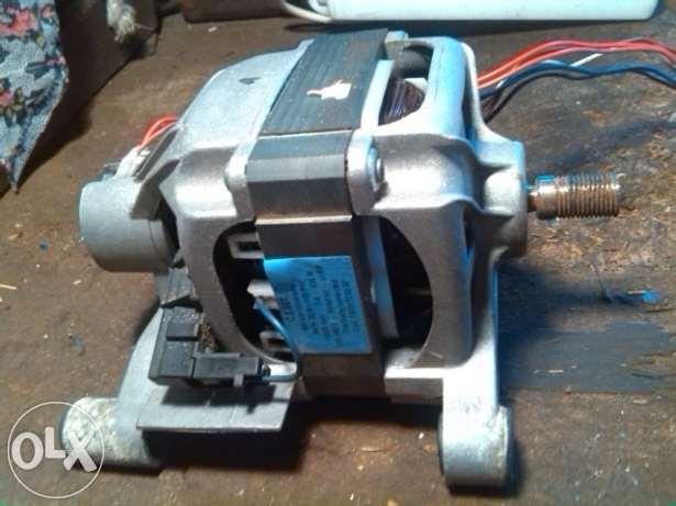 [Sprzedam] Silnik pralki Indesit MCA 30/64 2A 13000rpm 420W  --- 40z�