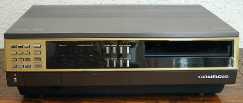 Grundig 2x4 Super - Podłączenie starego wideo do TV.