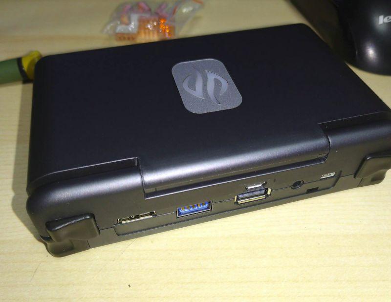 Dragonbox Pyra, przenośny komputer z Linuksem wreszcie dostępny