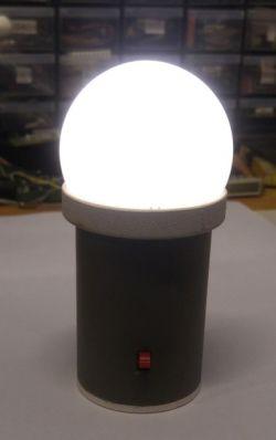 Mała lampka nocna z czujnikiem mikrofalowym RCWL-0516