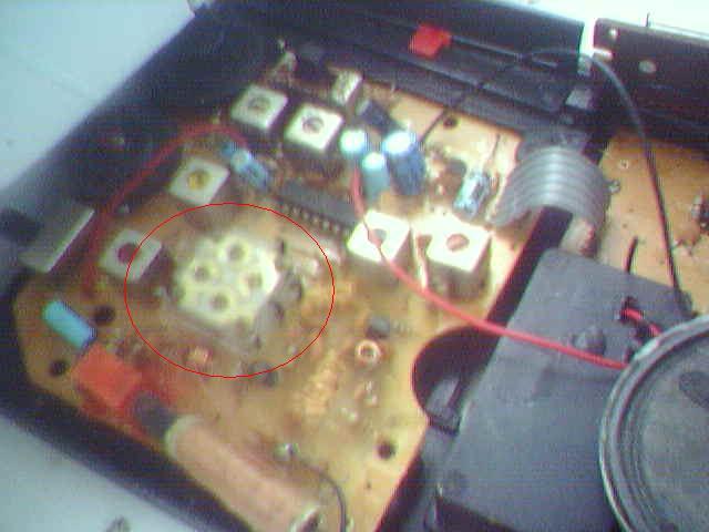 Zakłócenia w radiotelefonach po włączeniu silnika itp...