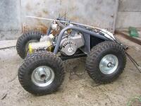 model samochodu RC z silnikiem spalinowym od kosy