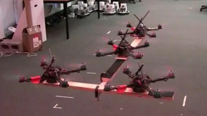 Laboratorium GRASP prezentuje quadrokoptery (wideo)