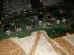 PS3 Slim - wyrwane piny na płycie głównej od wentylatora