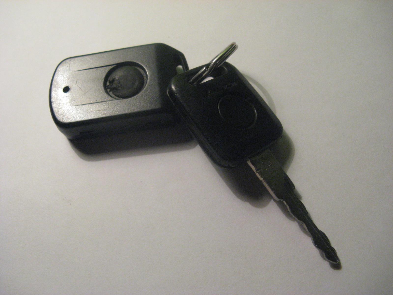 Audi A4 - Centralny, immobilizer nie reaguj� na sygna� z pilota.
