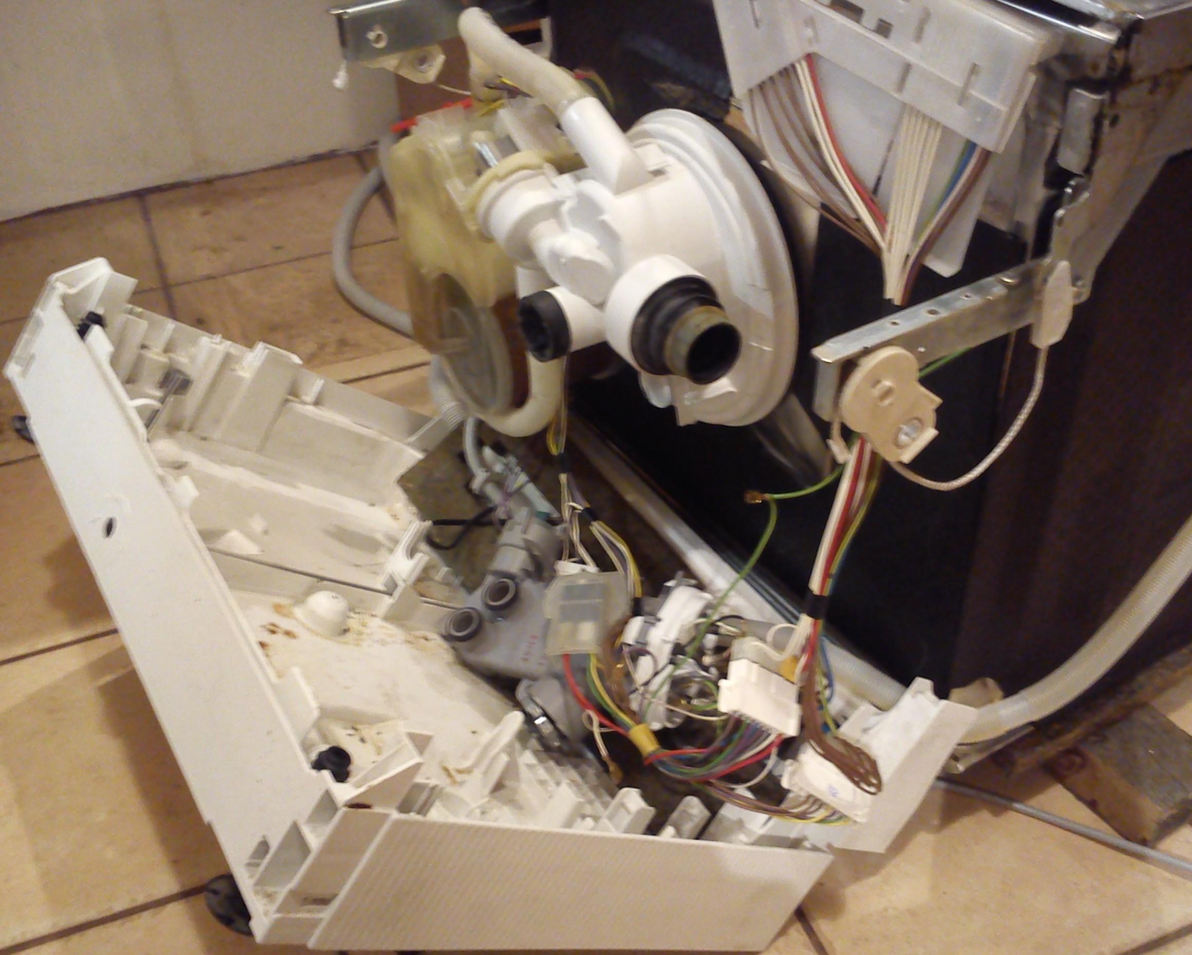 Zmywarka Bosch SGI5635EU - ma�e ci�nienie wody ze zraszaczy