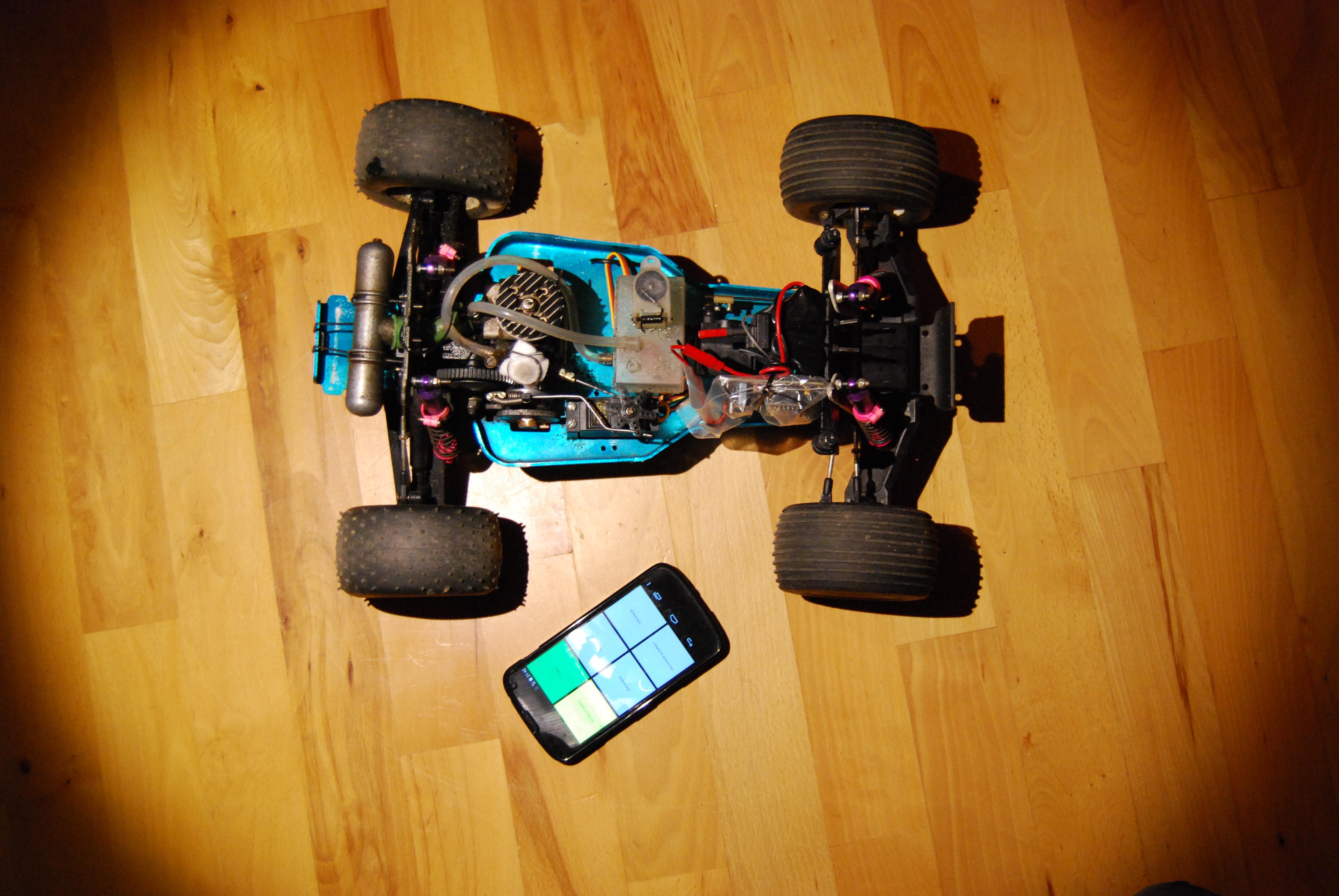 Bluetooth Car - zdalnie sterowany samoch�d.