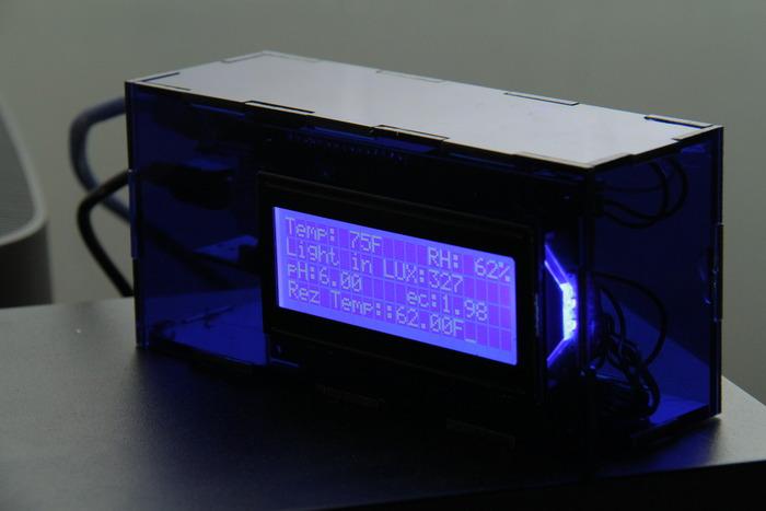 Bezprzewodowy system monitorowania szklarni - HarvestGeek