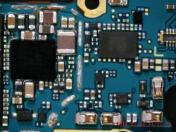 Samsung Galaxy S8 SM-G950 - Brak ładowania, uszkodzony element na płycie głównej