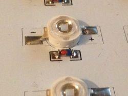 Panel LED nie mam pojęcia jakie są użyte w nim diody zenera