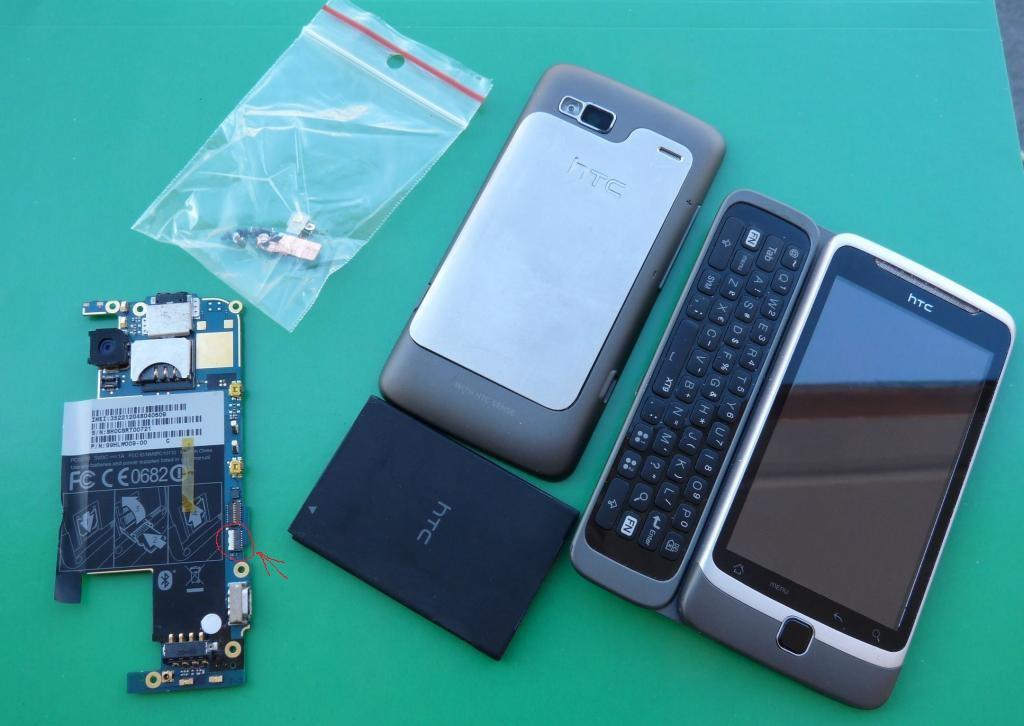HTC Desire Z - wymiana gniazda na p�ycie g��wnej.