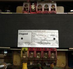 Obwody 110V AC z transformatora separacyjnego. Jaki to obwód?