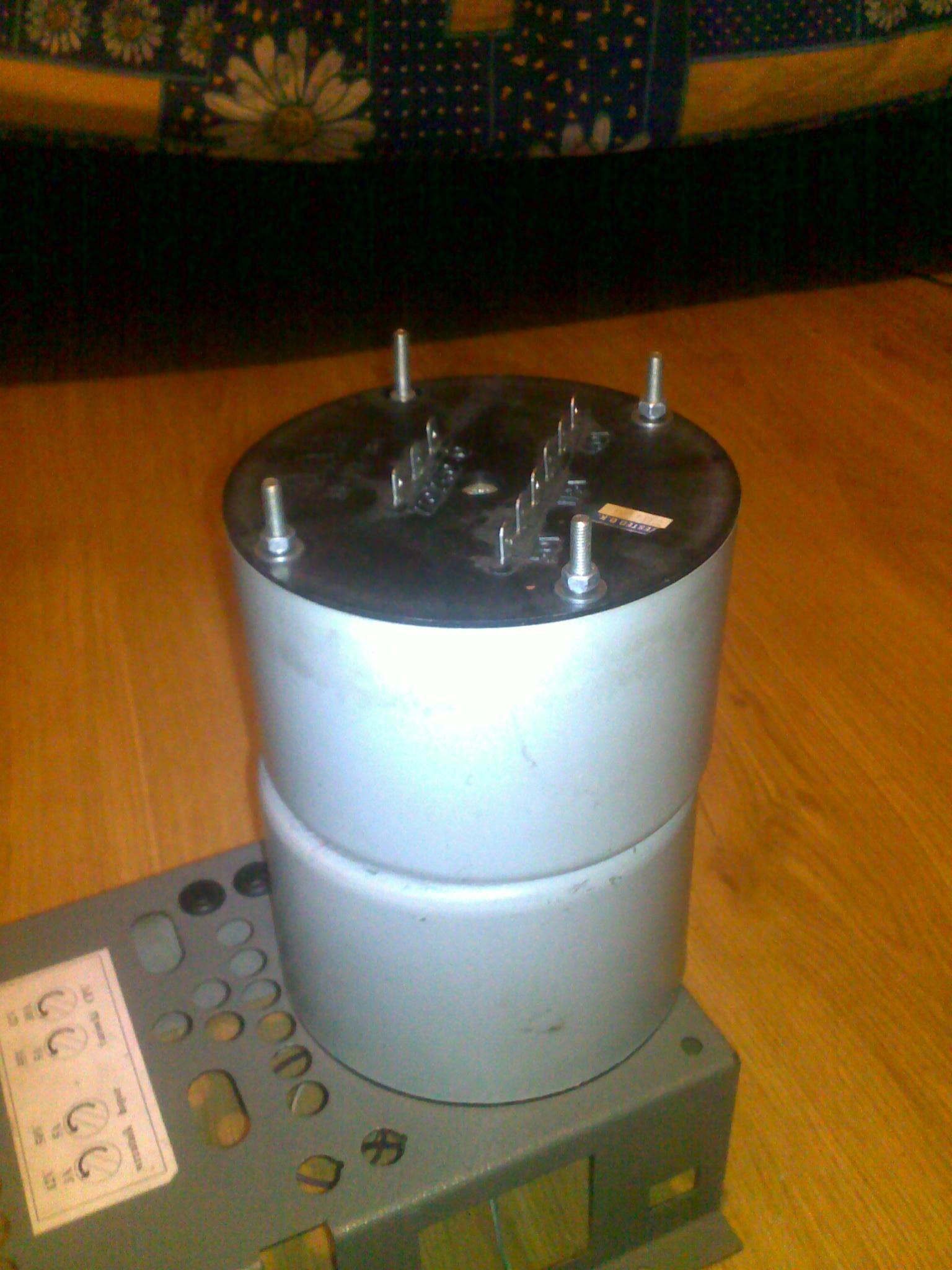 [Sprzedam] Dwa Transformatory wielonapieciowe 12V 40V 50V Holton