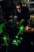 Laser i kamera, które wykrywają materiały wybuchowe na odległość