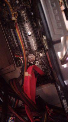 Nie potrafie podlaczyc karty graficznej GTX 660