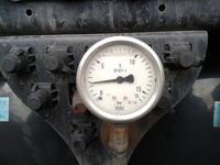 Man TGX 18.440 - Pytanie dotyczące manometru na osi napędowej.