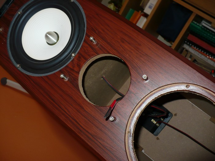 Naprawa kolumn g�o�nikowych M-Audio HTS-501.