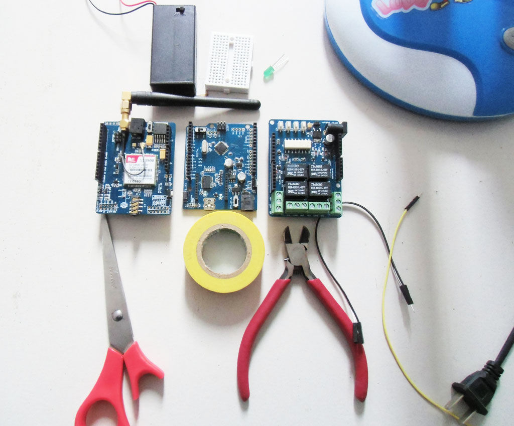Modu� sterowania urz�dzeniami poprzez wiadomo�� SMS na Arduino