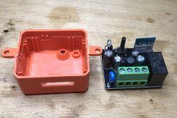 Dopuszkowy włącznik/przekaźnik RR400ZB/TS011F Zigbee - test, schemat