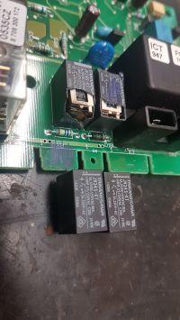 Junkers ZW 14-2DVAE23S5300 - błąd C6, wymiana przekaźnika + kody błędów