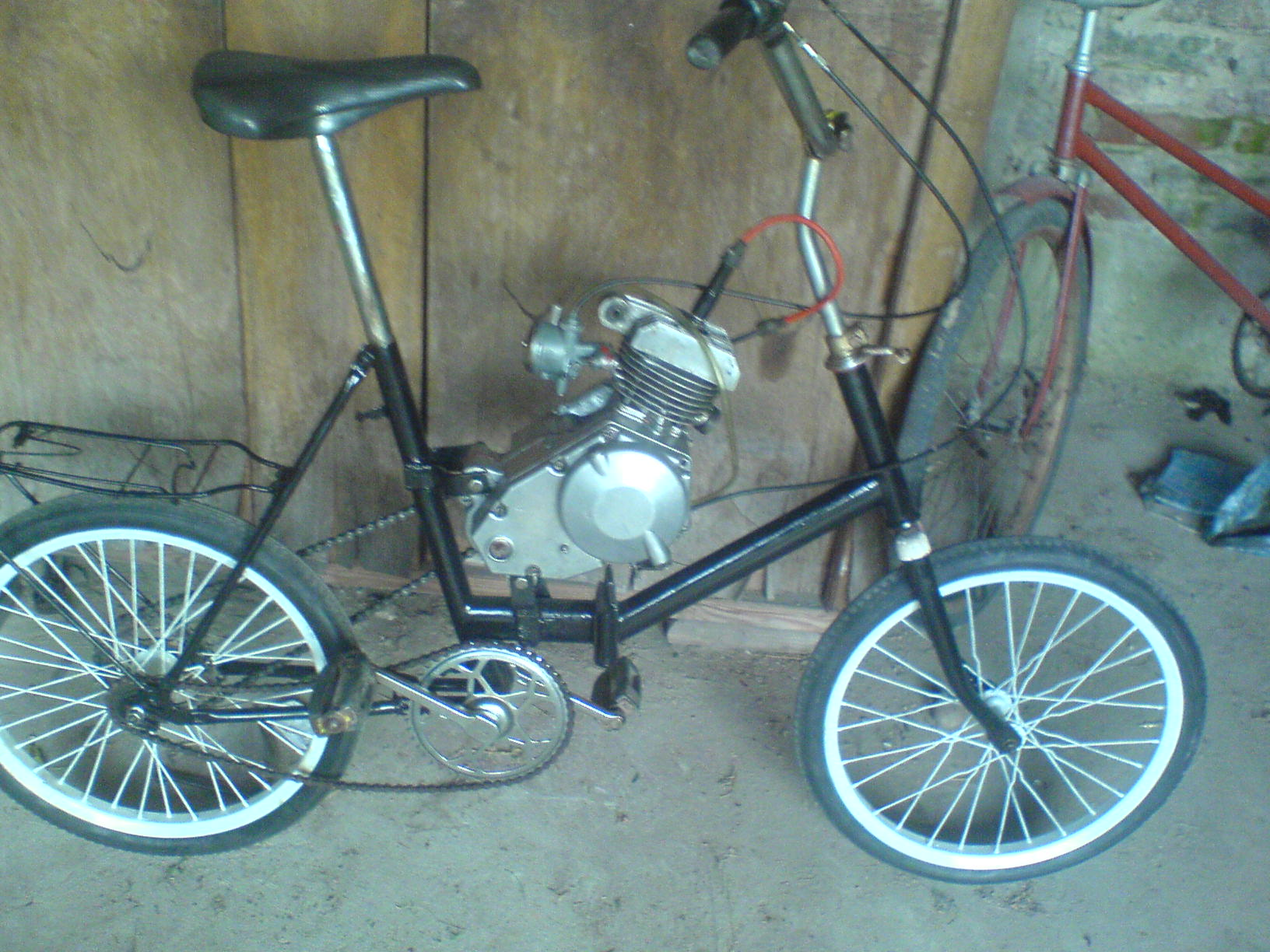 Rower z silnikiem spalinowym