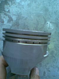 Kosiarka spalinowa firmy NAC pluje olejem przez filtr i traci moc
