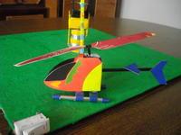 Lataj�cy helikopter na uwi�zi.