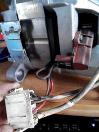 Indesit WIE107 - Jak pod��czy� silnik z pralki indesit wie 107 do sieci ?