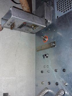 Jeden sterownik kilka silników trójfazowych, sterowanie tylko dwoma fazami
