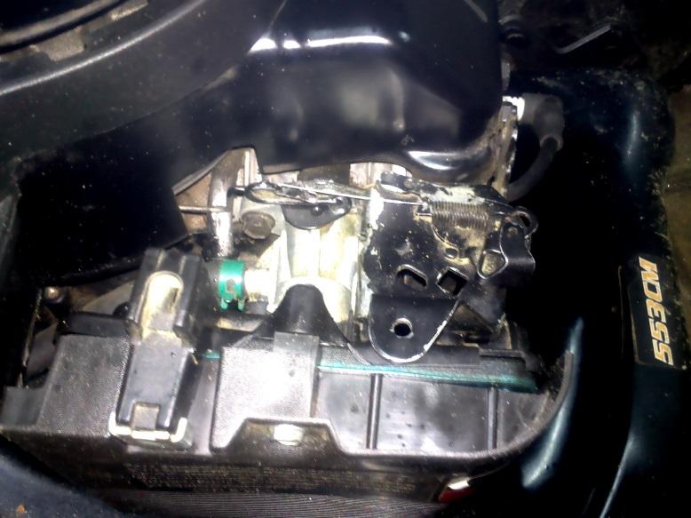 Electrolux 31055 kosiarka - Spad�a moc silnika i spad�y obroty. Nier�wna praca.