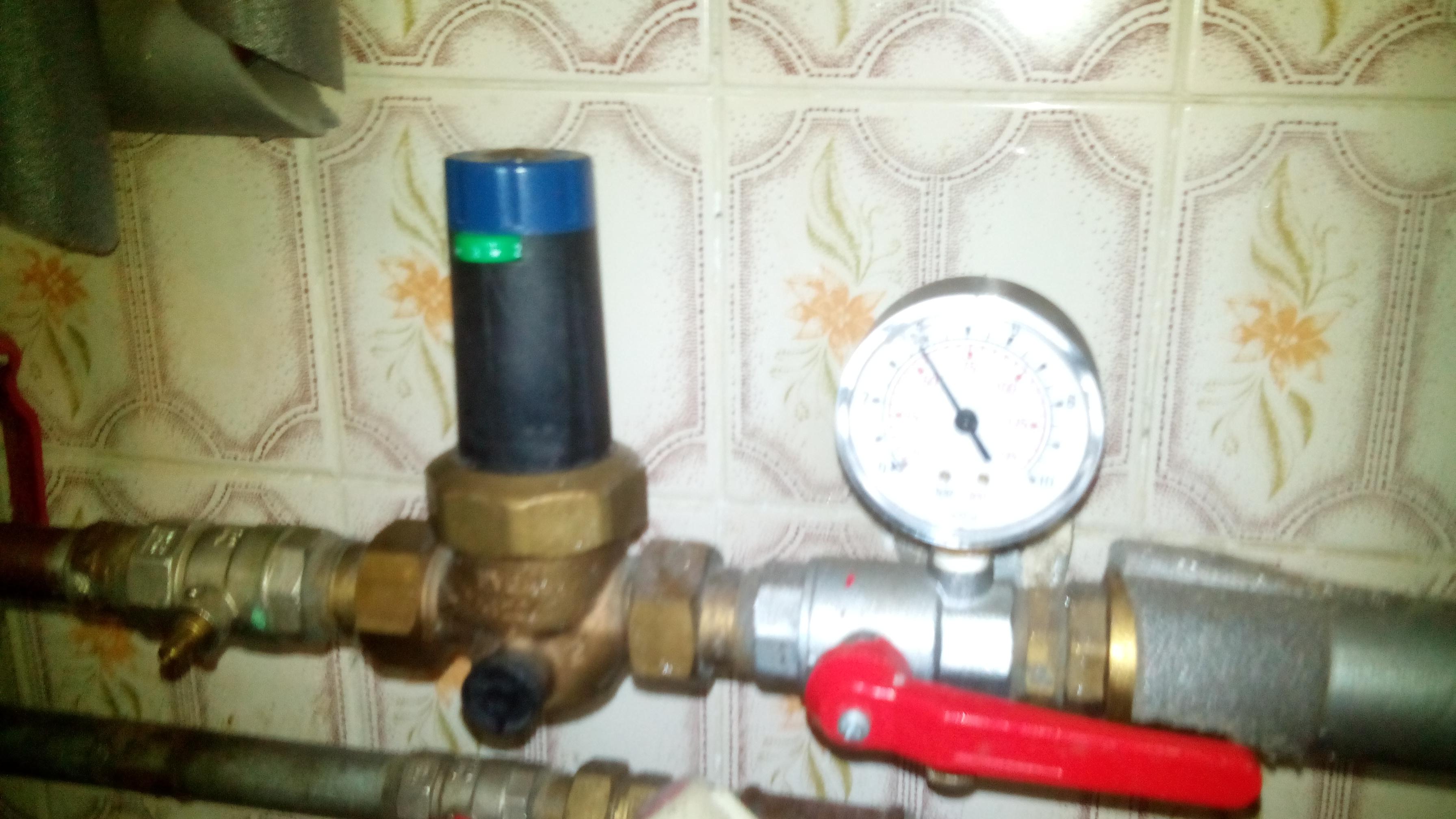 Junkers - Niskie ci�nienie ciep�ej wody - czy to zapchany filtr ?