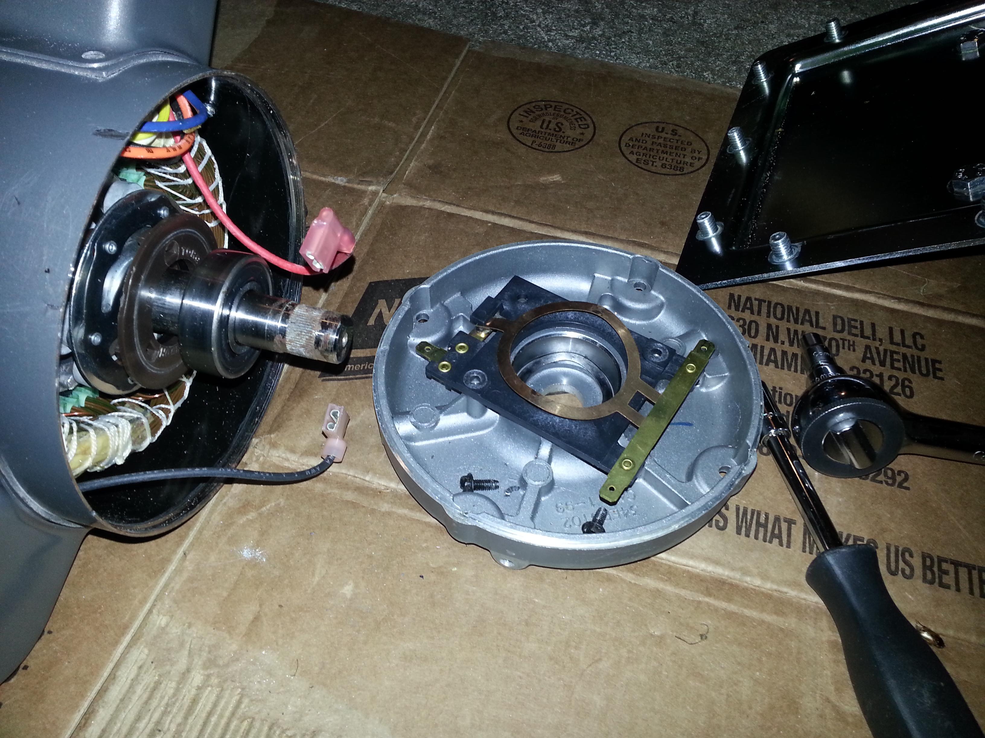 Maszyna do walcowania ciasta - K�opot z silnikiem BALDOR RELIANCE