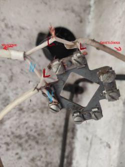 Podłączenie dwóch świetlówek do prądu