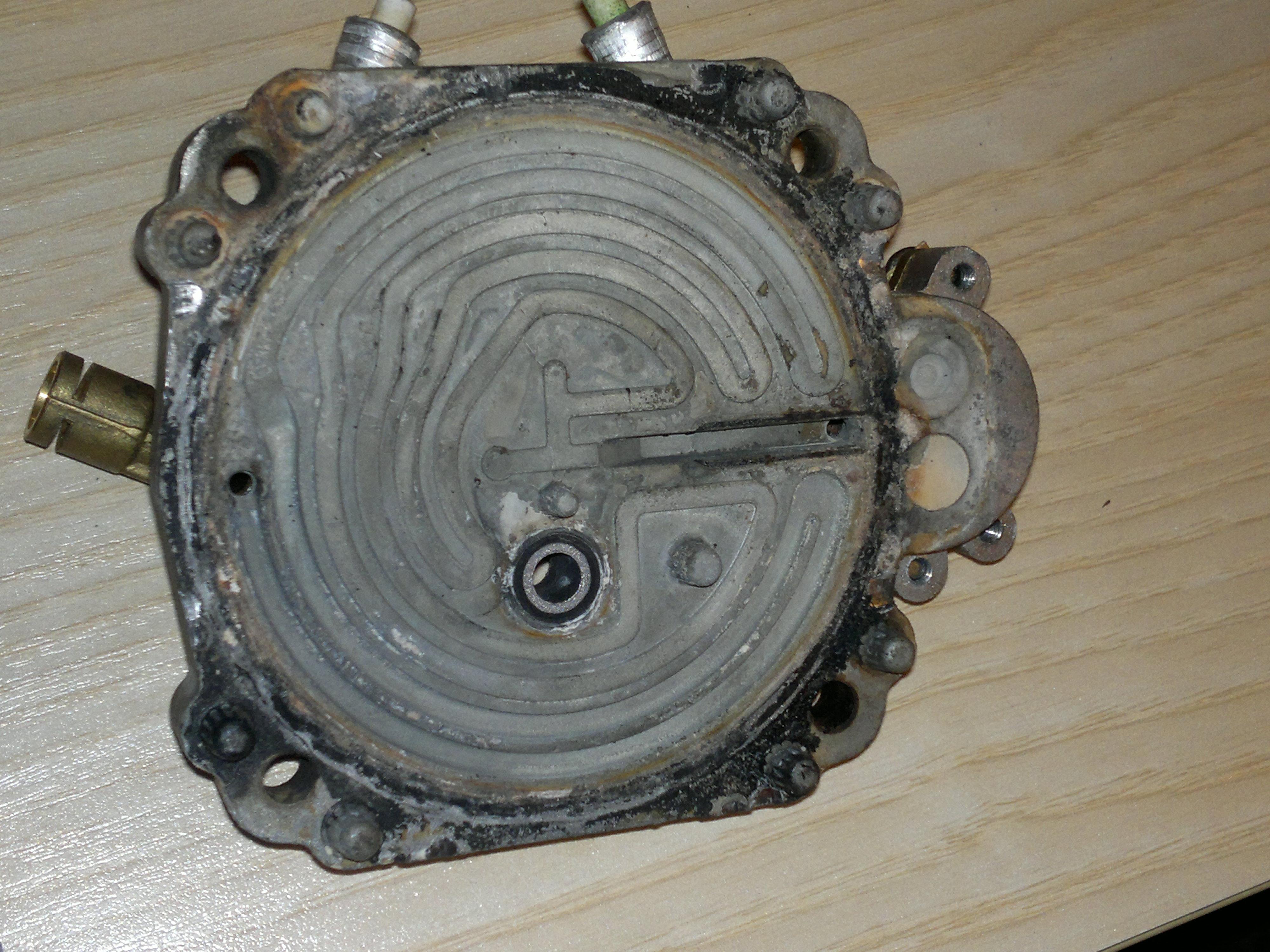Gaggia Syncrony Compact SUP025Y- dziwne syczenie w �rodku, wyciek spod ekspresu
