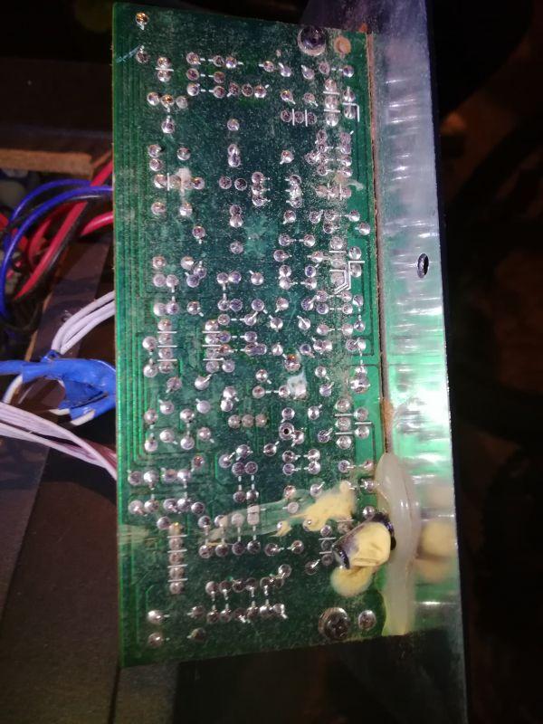 - Podłączenie akumulatora do głosników komputerowych + ładowanie akumulatora