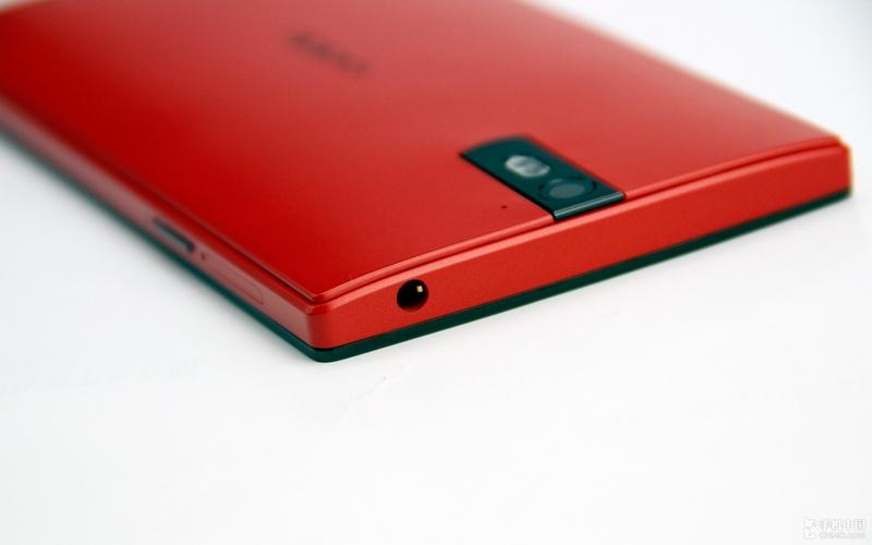 Oppo Find 5 - flagowy smartphone w nowym, czerwonym wariancie