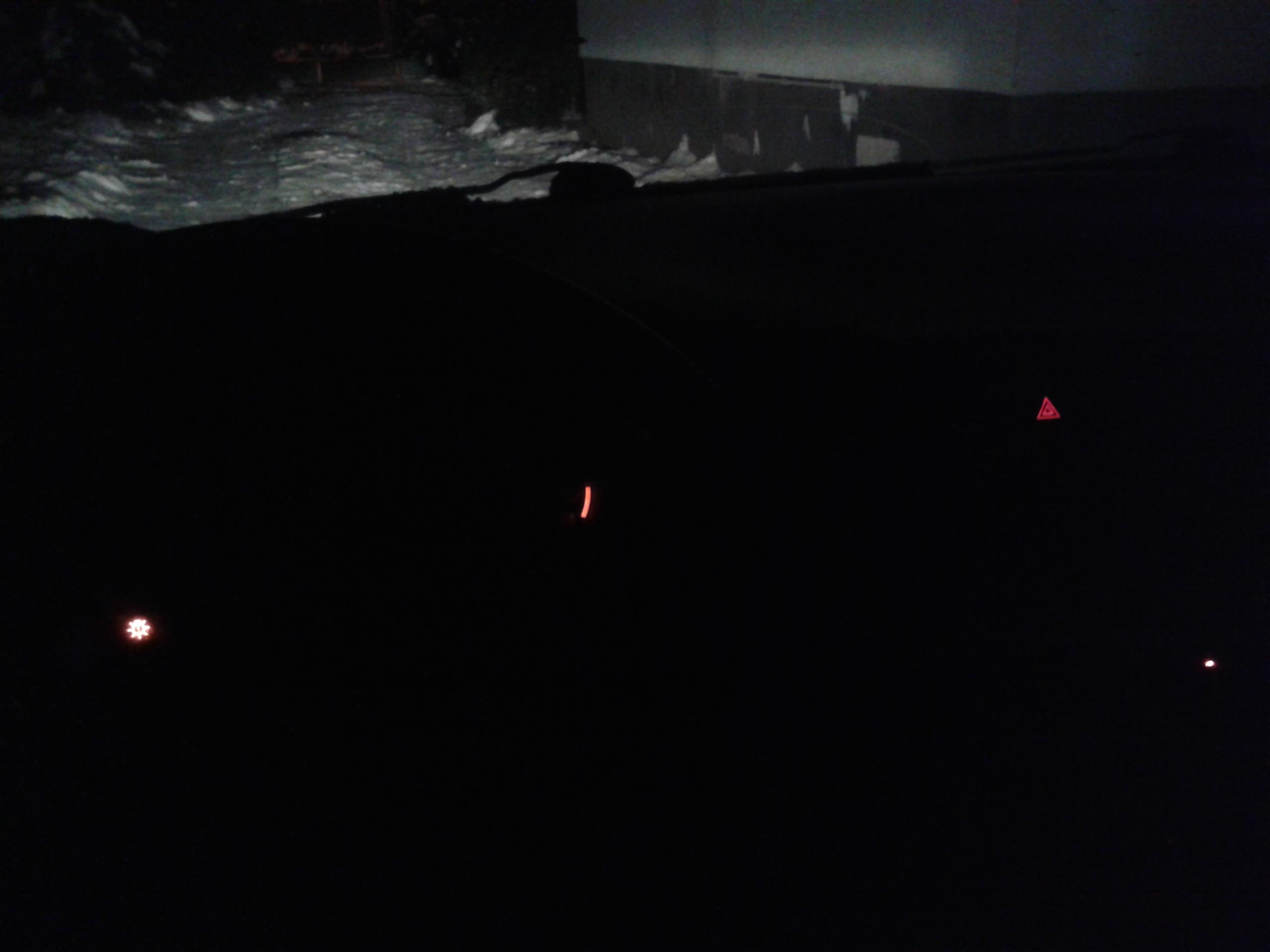 Volvo S40 98r. 1.8 GDI - brak pod�wietlenia zegar�w i deski rozdzielczej.