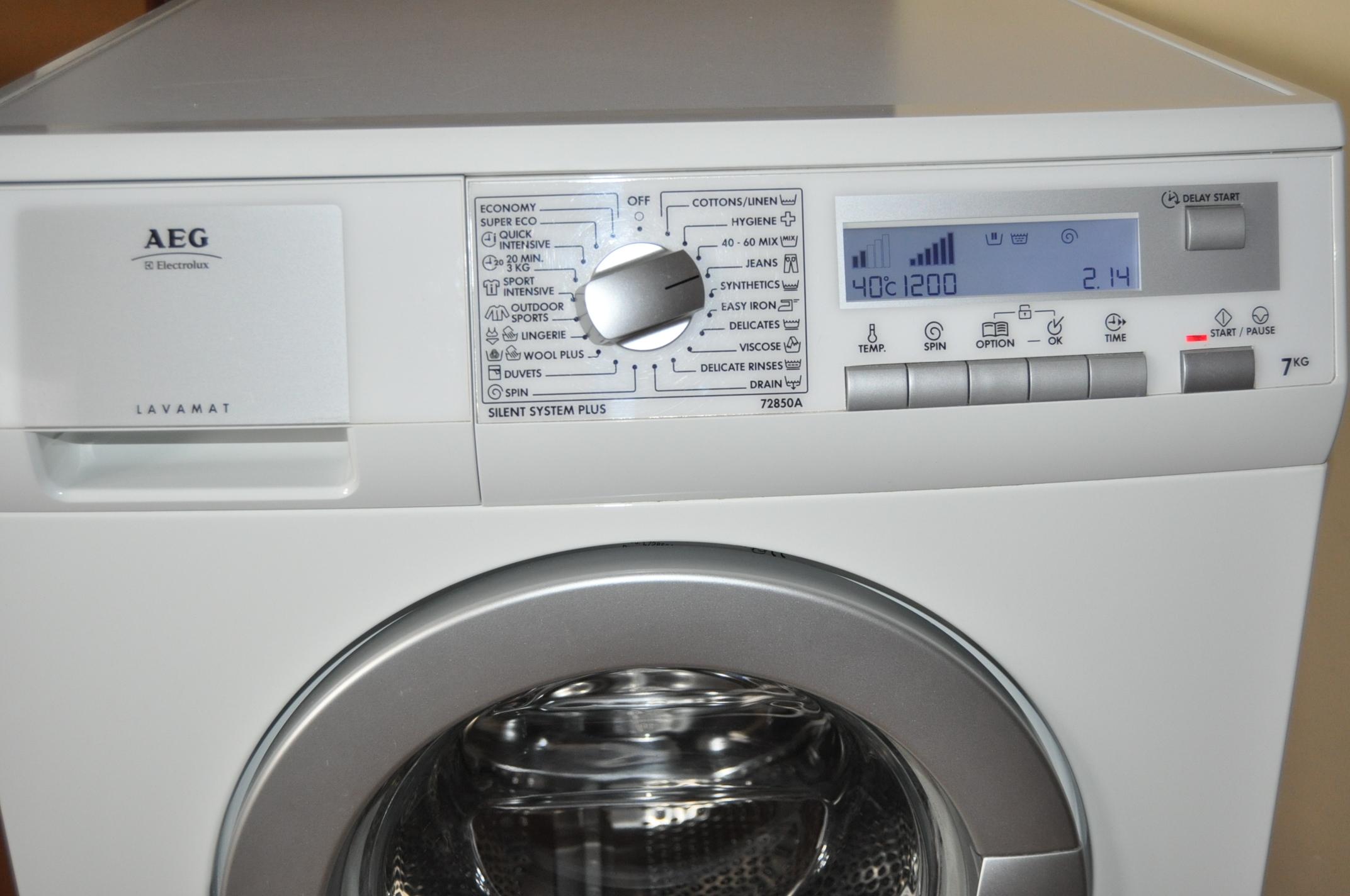 [Sprzedam] Sprzedam pralk� AEG Electrolux Lavamat Mod. L72850A-ca�o�� lub cz�ci