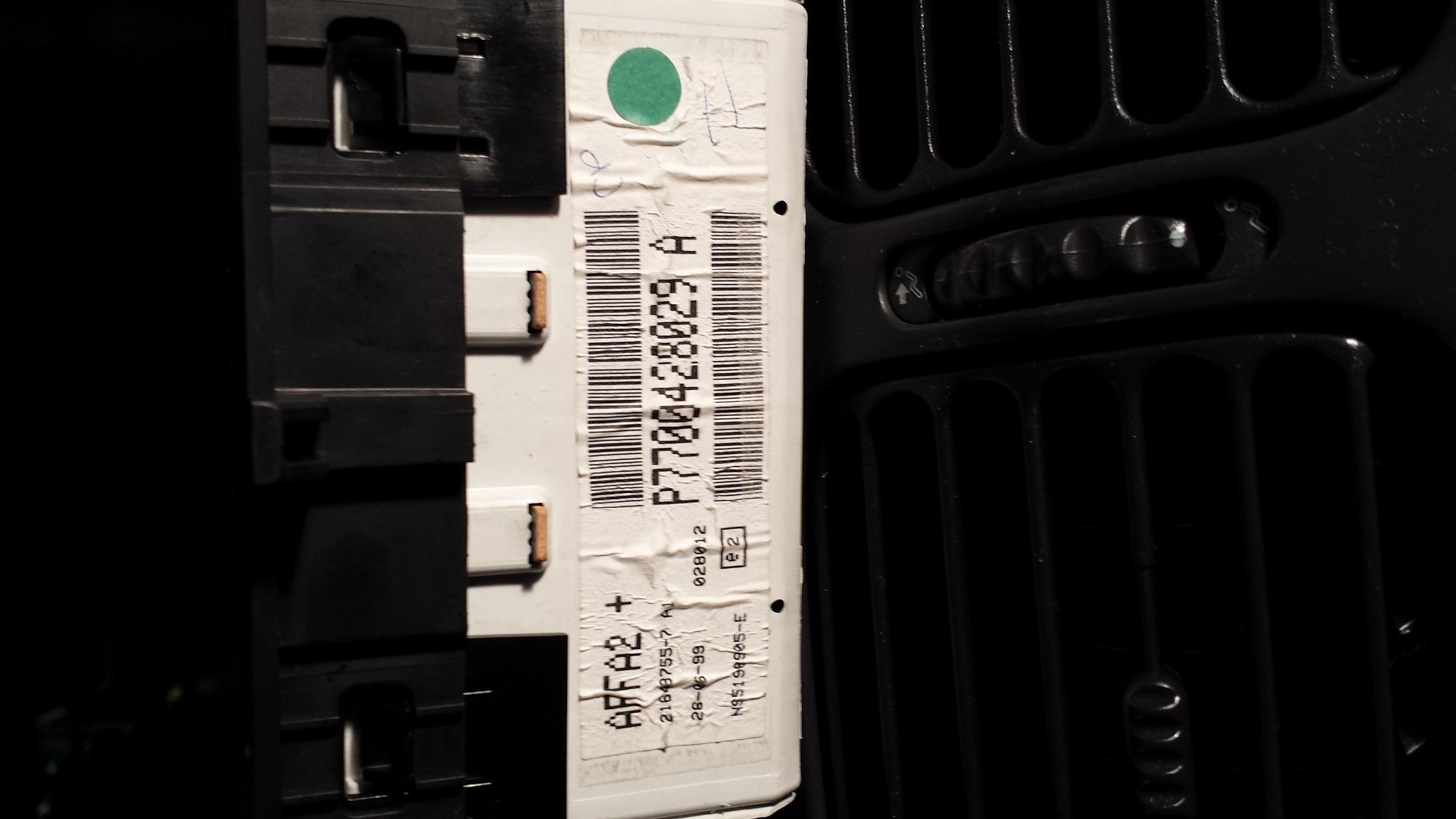 [Inne] Laguna radio tuner list i wy�wietlacz AFFA2 oraz sterowanie w kierownicy