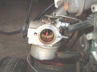 Tecumseh centura - Wyciek paliwa z gaźnika i regulator obrotów