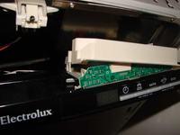Zmywarka Electrolux ESL 66010 - czu� spalenizn�.