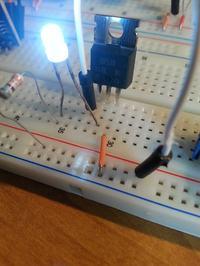 Działanie tranzystora MOSFET