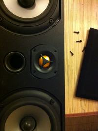 Monitor Audio Bronze 1 źle grają wysokie tony