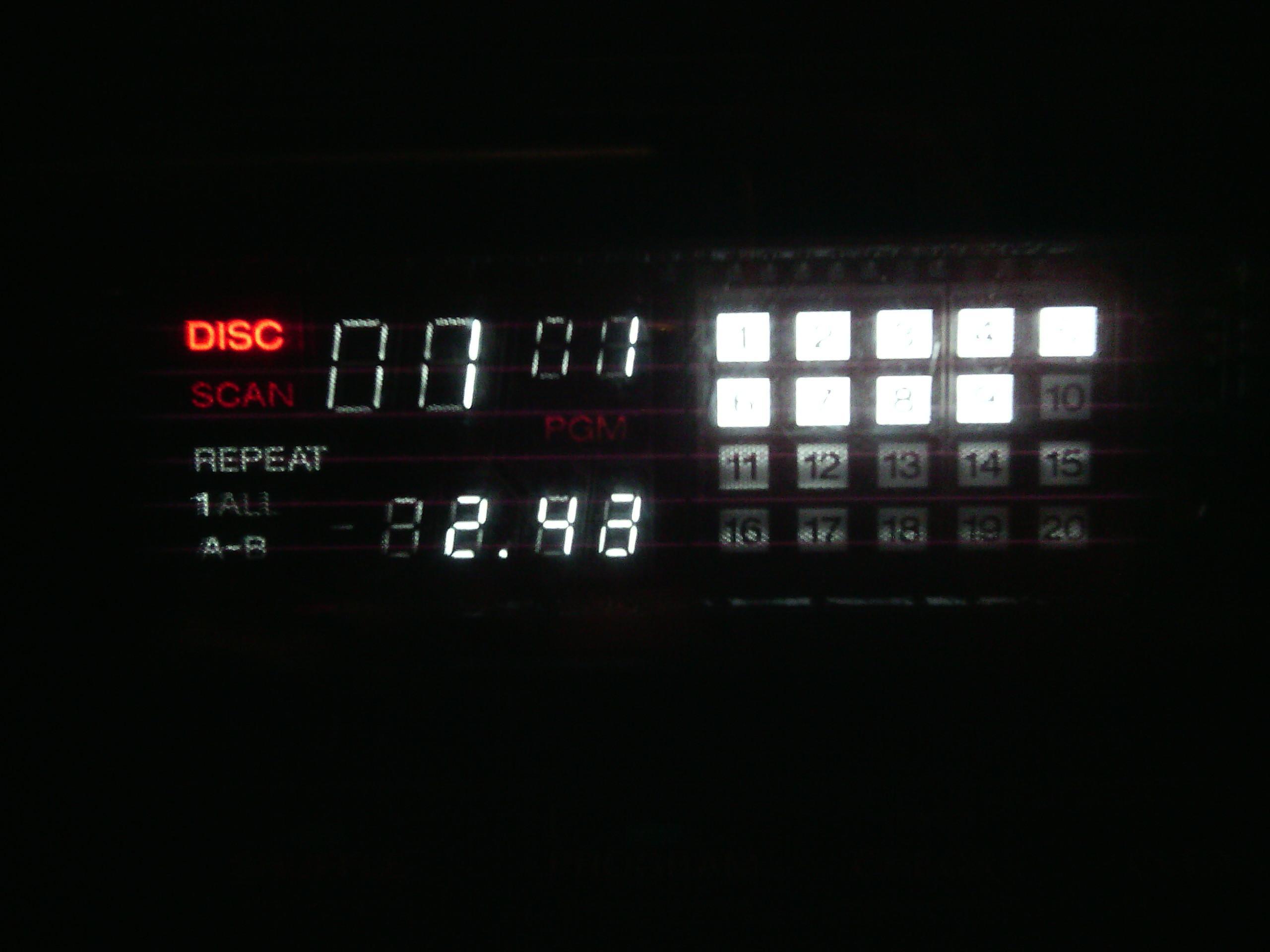 """Sony CDP-35 - """"Przebijaj�cy"""" wy�wietlacz"""