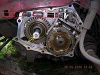 opel astra f 1,6 8v - Wymiana sprzeg�a pedala w pod�odze astra f 8v